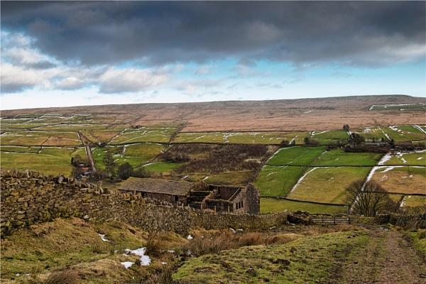 Deserted Pennine Farm 3 by phil99