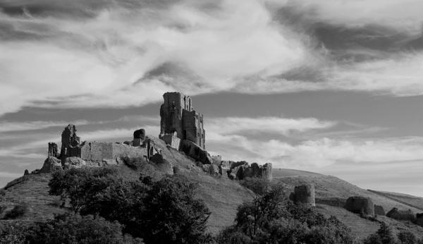 Corfe Castle by greatdog