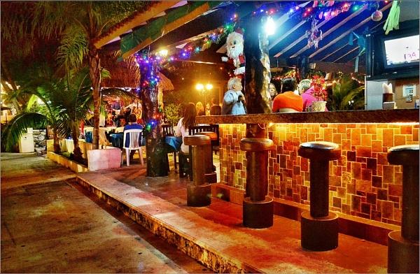 Puerto Aventuras Bar. Nikon D3100. DSC_0306. by rpba18205