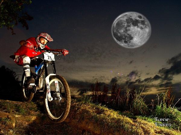Mountain biking by moonlight by turniptowers