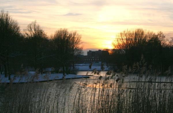 Winter sky in Lelystad by TracyK