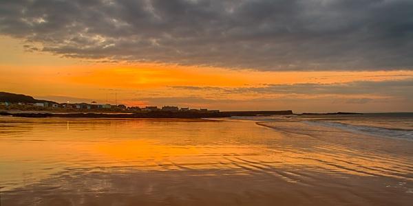 HOPEMAN - MIRRORED SUNSET by JASPERIMAGE