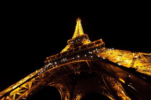 Eiffel Tower by AJG