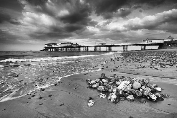 Cromer Pier by dp