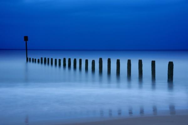 Twlight Beach by IanBritton