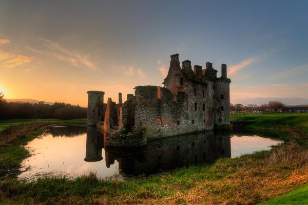 Caerlaverock Castle by seahawk