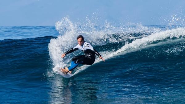 Wave breaker by EddyG