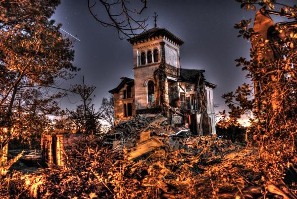 Death of a house by sadmurph