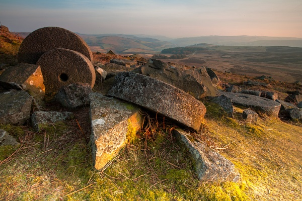 Millstones on Stanage. by platzy