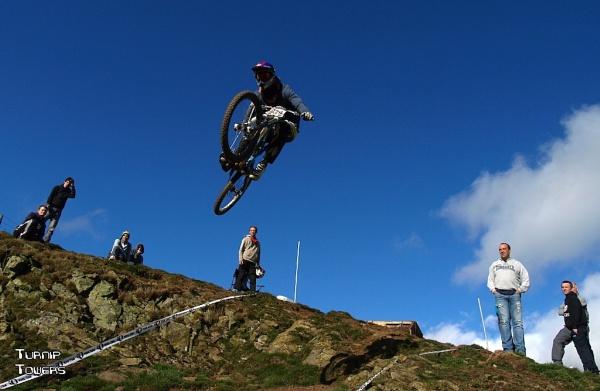Low-flying mountain biker by turniptowers