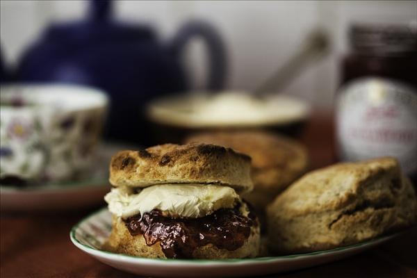 Cream Tea by gregl