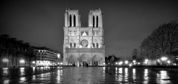 Notre Dam, Paris by happysnappa
