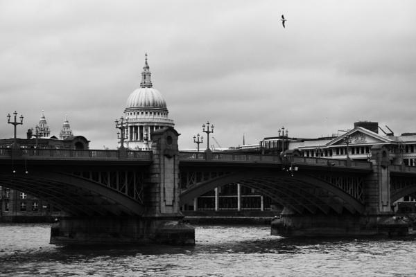London Bridge by RyanFlint