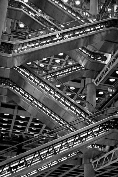 Lloyds Escalator by desborokev