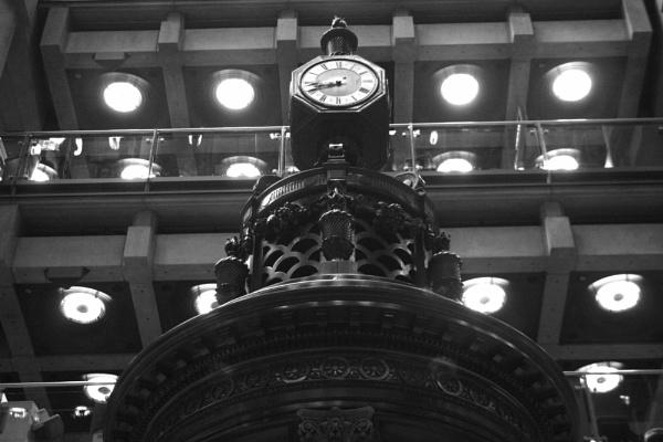 Lloyds Building Clock by desborokev