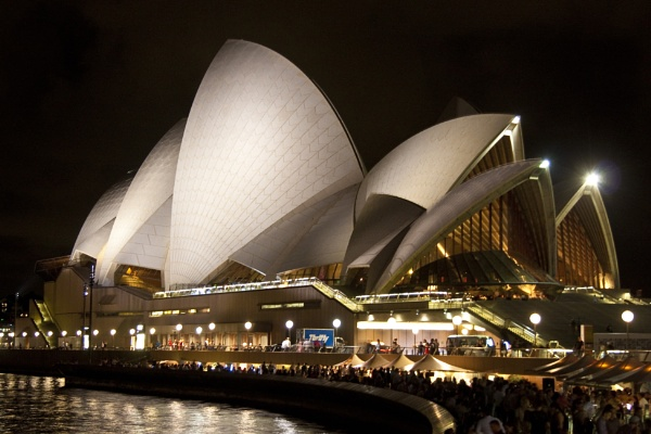 Sydney Opera House at Night by nworb