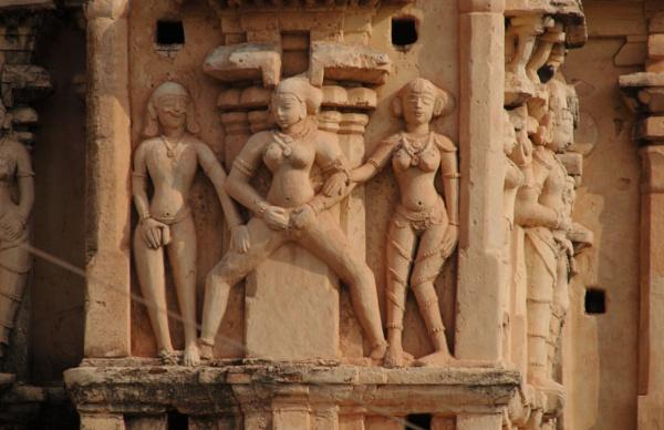 Erotic carvings by Chinga