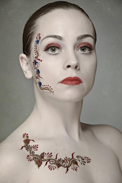 Geisha by shaunhodge