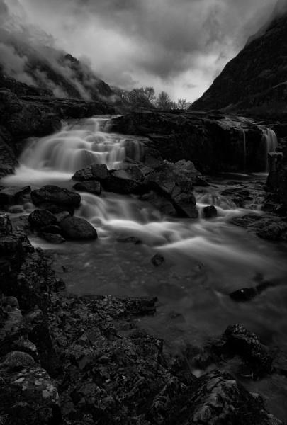 Mist Falls by PaulMillar