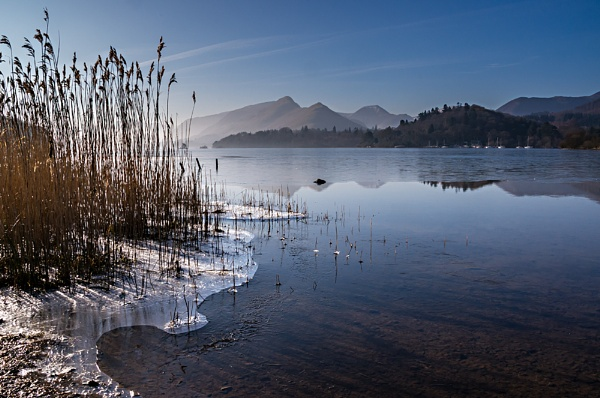 Derwentwater on a freezing dawn by Daxiesmum