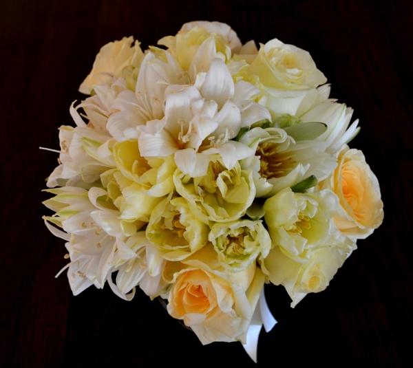 Lemon Cream Bridal Bouquet by CLARECUM