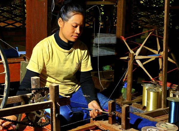 Spining the silk-worm thread in SeamReap-Khambodia. by WimpyIskandar