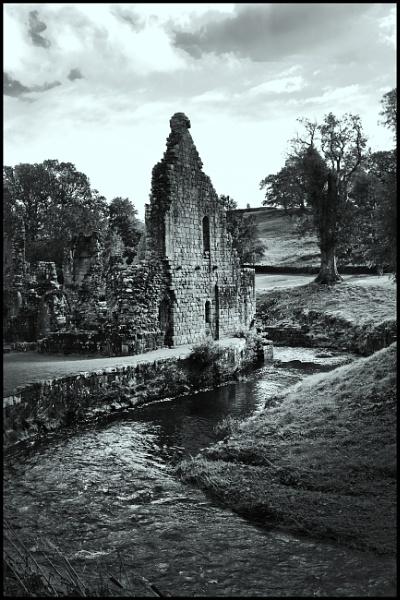 Ruin by davekeen