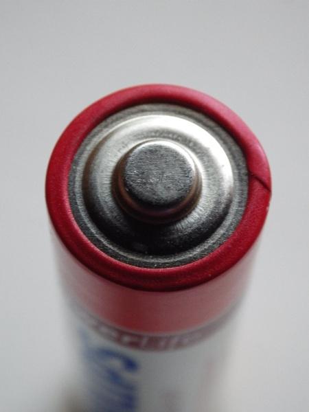 Pentax X5 macro, AA battery by Regbaron