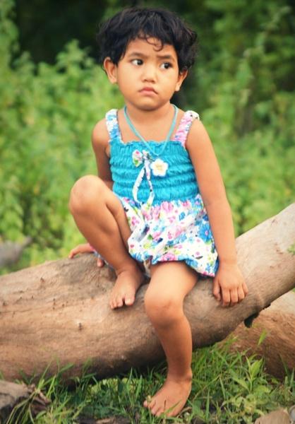 sad face by bangma
