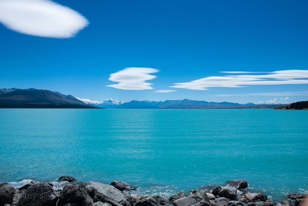 Mount Cook across Lake Pukaki 2