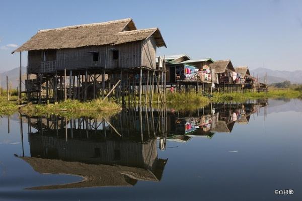 Floating Village in Inle Lake Myanmar by Benlib