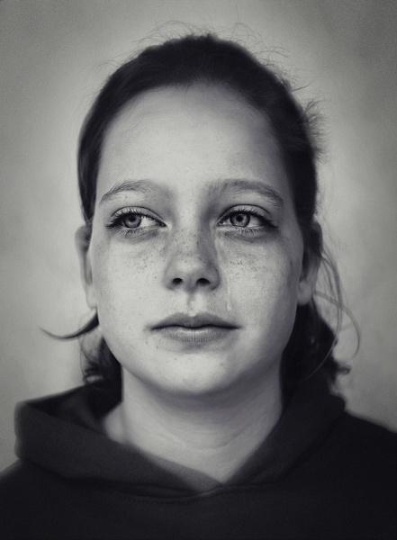 Tiny tears III by aleci