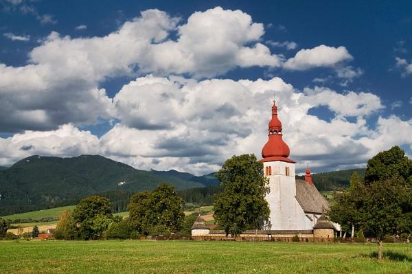 Slovakian Countryside by bart_hoga