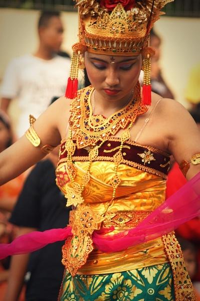 bali dancer by bangma