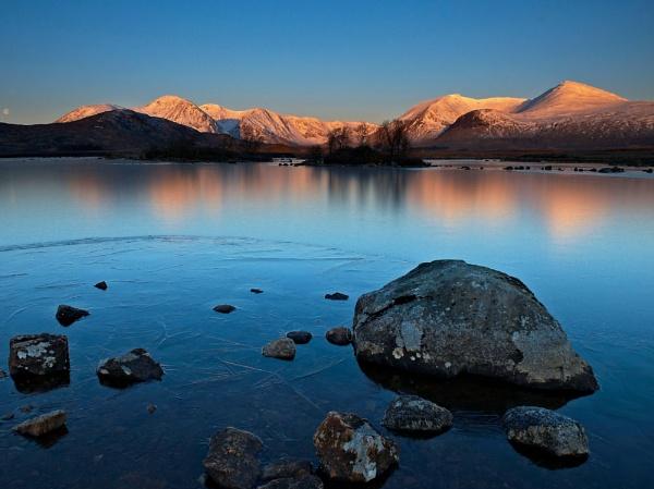 Black Mount Sunrise by bill33