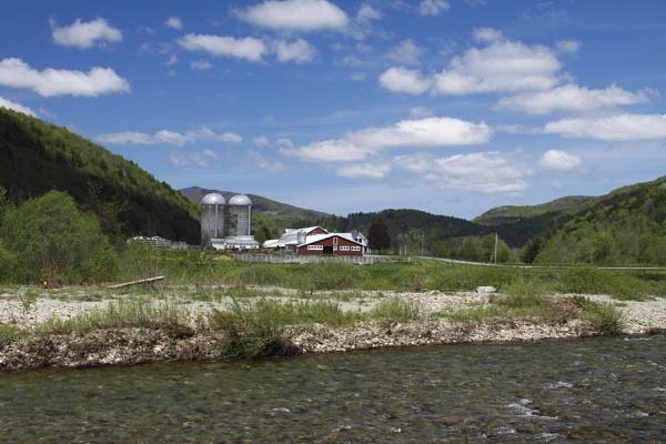 A Vermont Farm by gconant