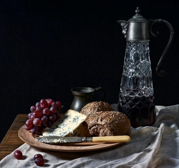 A spot of lunch by cattyal