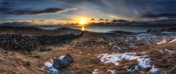 Shetland sunrise by ireid7