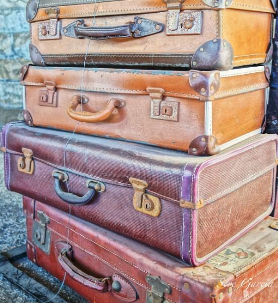 Baggage by SeveGarcia