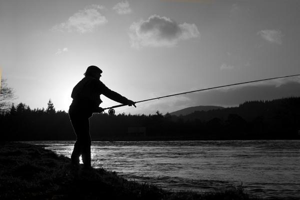 Salmon fishing by Earthwatcher