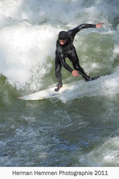 Surfer by hemmen