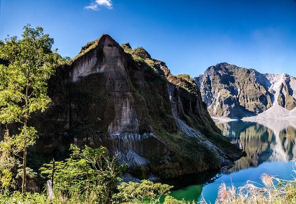 Mt. Pinatubo Crater by guitarman74uk