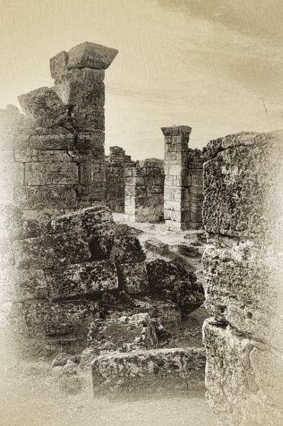 Ruins of Hierapolis by nonur