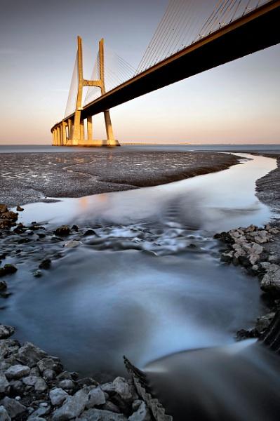 Vasco da Gama bridge by ascarpa