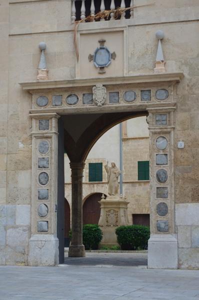 Near Palma Cathedral Majorca by davevee