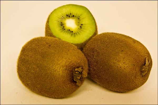 Piliferous  Kiwi fruit by rambler