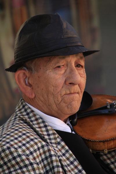 Violin Player by eckingtonjohn