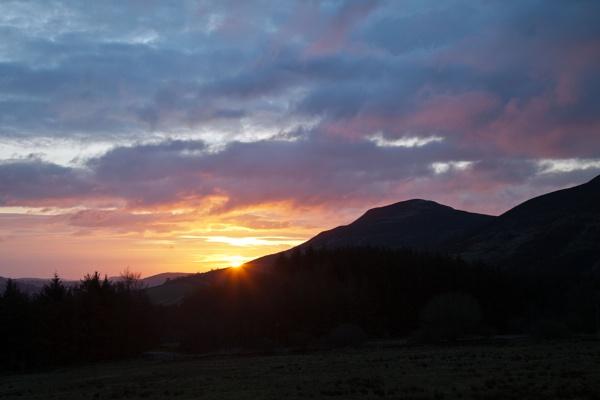 sunrise over the eildon hills by jingler