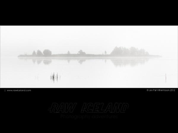 Islet mist by Jon Pall Vilhelmsson