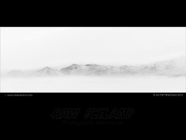 Looming volcano Katla by Jon Pall Vilhelmsson